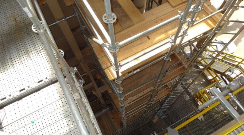 Down-view pipe scaffold
