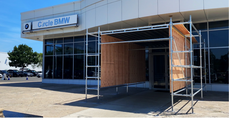 Scaffold for construction at a BMW showroom